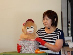 ねこちゃん演じる「ボク、ココちゃんです」ねこちゃんは腹話術を始めて1ヶ月半です。